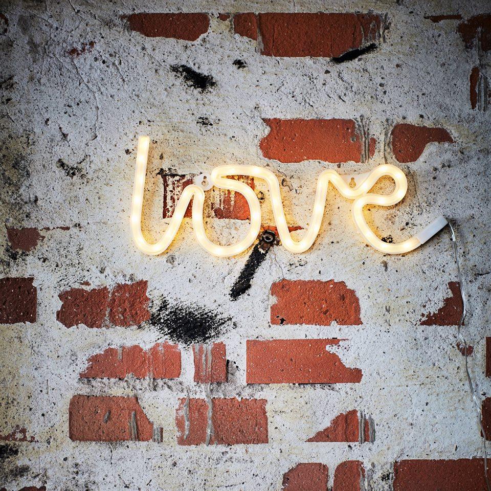 Neon A Accrocher Au Mur lampe murale - love
