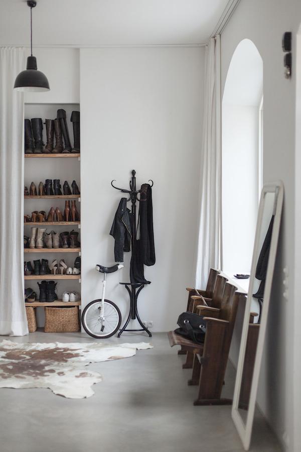 blog d co nordique une ancienne usine devenue un sublime int rieur. Black Bedroom Furniture Sets. Home Design Ideas